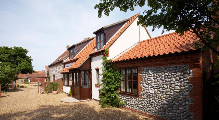 Luxury norfolk cottages in norfolk stable cottage for Premium holiday cottages