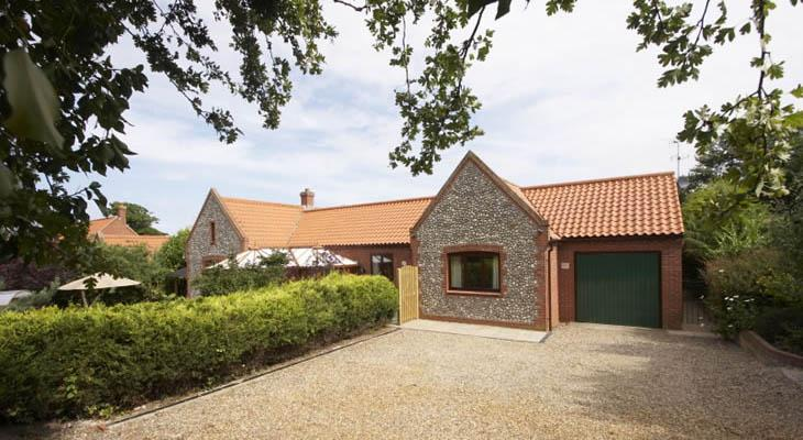 Luxury norfolk cottages the brambles cottage for Premium holiday cottages